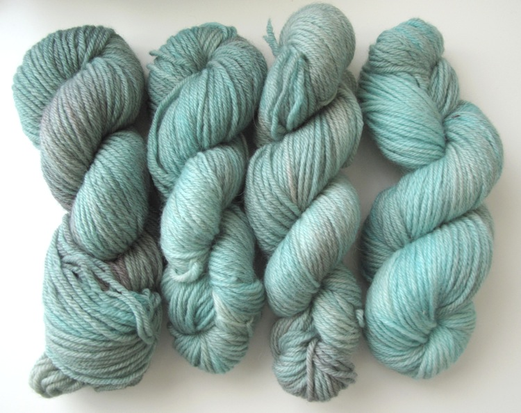 Apples And Pears BFL DK - Aqua