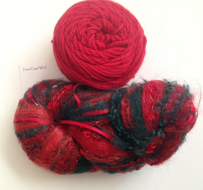 Magicball cowl - Holiday (Christmas Colours)